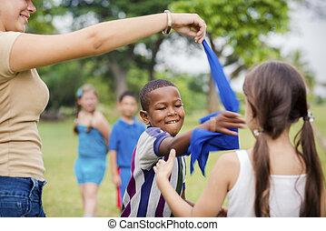 parque cidade, crianças, professor, jogos, tocando