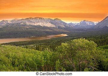 parque nacional del glaciar, en, crepúsculo
