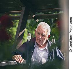 parque, viejo, deprimido, hombre, retrato