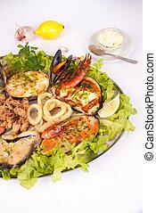 Parrillada de pescado y marisco