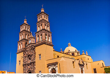 Parroquia Cathedral Dolores Hidalgo Mexico. Where Father Miguel Hidalgo made his Grito de Dolers starting the 1810 War of Independence in Mexico. Cathedral built in the 1700s.