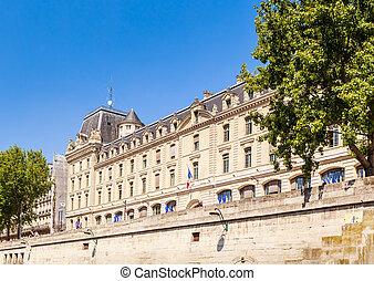 parte de, el, edificio, de, policía, prefectura, de, el, jábega, en, el, spring., parís, francia