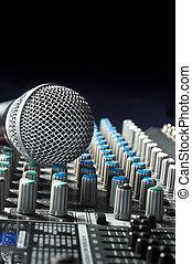 parte, um, áudio, misturador de som, com, um, michrophone