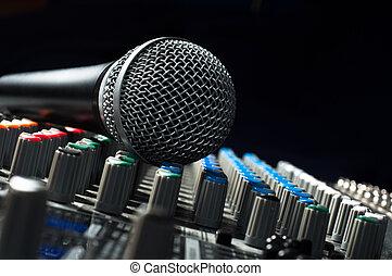 parte, um, áudio, misturador de som, com, um, microfone