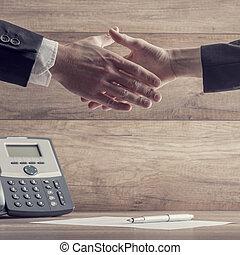 partenaires, business, sur, signé, mains secouer