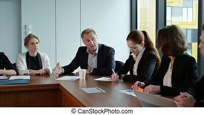 partenaires, documents, discussion affaires