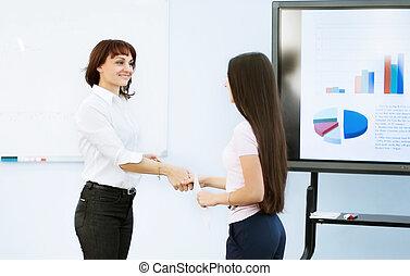 Partenaires, femme,  Business, horaire, réussi, mains,  -, secousse, croissant,  vone,  présentation, après