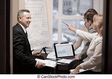 partenaires, financier, contrat commercial, nouveau,...