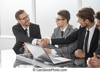 partenaires, poignée main, bureau, business, accueil, réunion