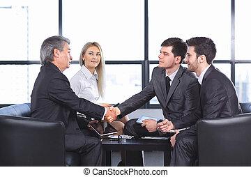partenaires, poignée main, réunion, bureau affaires