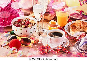 partia, śniadanie, przybory, karnawał