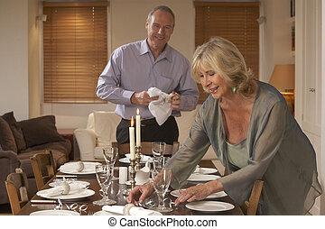 partia, para, stół, obiad, przygotowując