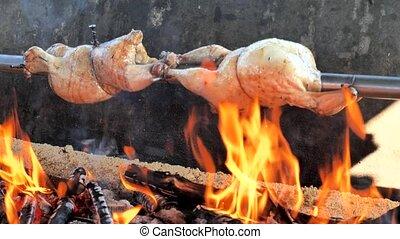 partie., au-dessus, flou, flammes, couleur, poêle, poulet, viande préparation, gril, surprenant, style., dîner, vendange