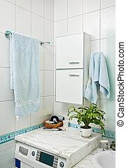 partie, petit, moderne, salle bains, intérieur, à, machine à laver