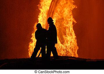 partikels, note:, lawaai, battling, woedend, bovenzijde, vuur, tegen, twee, water, vuur, fototoestel, brandweerlieden, niet, hoek, verpulveren, links