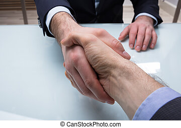 partner, zijn, rillend, zakenman, hand