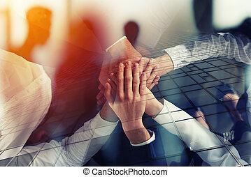 partnership., 概念, ビジネス 人々, ダブル, 手, チームワーク, オフィス。, 参加する, ...