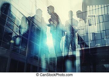 partnership., conceito, silueta, negócio, trabalhe pessoas, dobro, junto, trabalho equipe, efeitos, escritório., luz, exposição