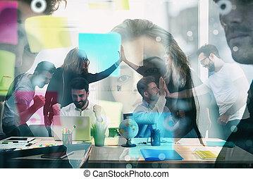 partnership., concept, groupe, business, fonctionnement, réalisé, goal., double, exults, collaboration, hommes affaires, avoir, exposition