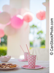 Party With Family For Little Girl's Birthday
