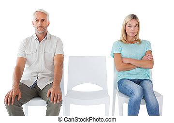 pas, malheureux, couple, parler, autre, chaque