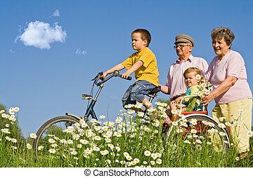 paseo, con, abuelos