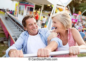 paseo, pareja, parque, 3º edad, diversión