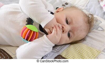 pasgeboren baby, meisje, vrolijke
