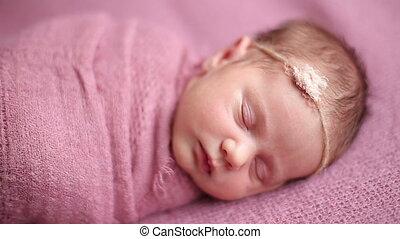 pasgeboren, schattig, meisje, baby, slapende