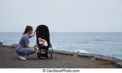 pasgeboren, strolling, moeder