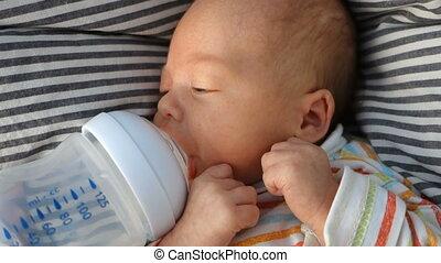 pasgeboren, zuigt, water, pacifier, fles, baby