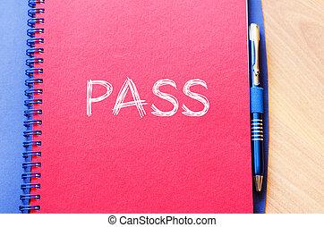 Pass text concept on notebook