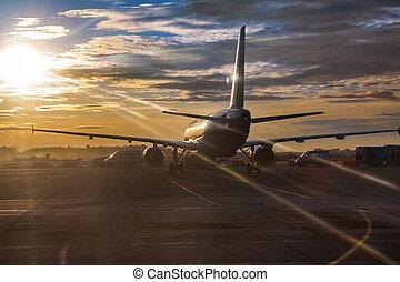 passageiro, sunlights, pista decolagem, aeronave, pôr do sol, montando