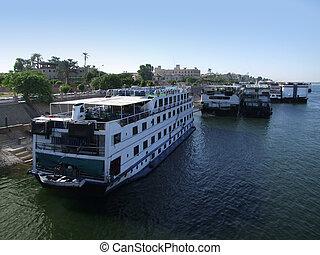 passager, bateaux, luxor, nil