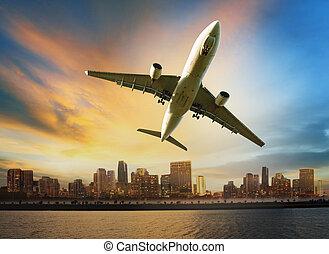 passager flyvemaskine, flyve, above, urban scene, anvendelse, by, formålstjenlighed, luft transporter, og, logistic, last, af, luft transport