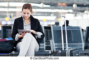 passager, image), vol, tablette, elle, modifié tonalité, jeune, quoique, attente, informatique, femme, utilisation, aéroport, (color