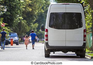 passager, minibus, voyante, fourgon, été, commercial, dos, luxe, rue., blanc, taille, garé, vue ville