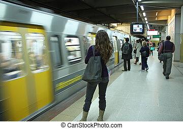 passagers, attente, les, métro