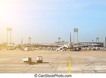 passagier, ebenen, in, der, flughafen., flugzeug, maintenance.
