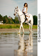 passagier, vrouw, jonge, horseback, b, paardrijden, paarde, horse.