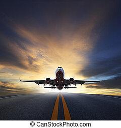 passagiersvliegtuig, opstijgen, van, startbaanen, tegen,...