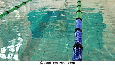 passen, man te duiken, in, de, pool, en, zwemmen