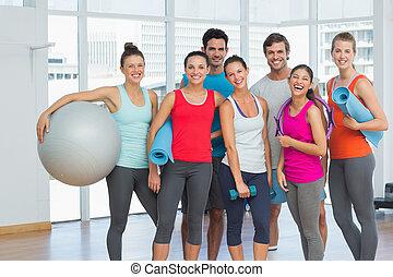 passen, mensen, het glimlachen, in, een, helder, oefening, kamer