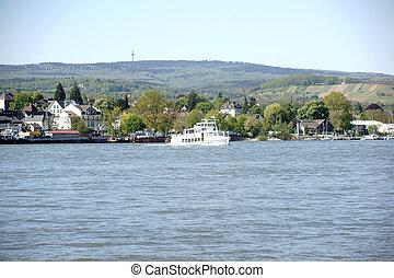 Passenger ship Schierstein Main - A passenger ship crosses...