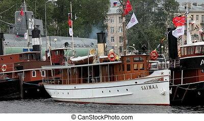 passenger steamer