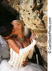 Passionate kiss - Wedding kiss
