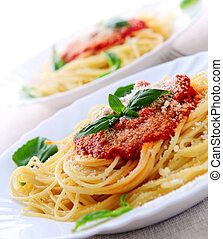 Pasta and tomato sauce - Pasta with tomato sauce basil and ...