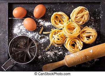 pasta fresco, com, ingredientes, para, cozinhar