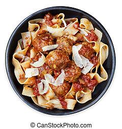 pasta, pappardelle, pollo, polpette carne, nastro