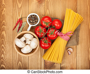 Pasta, tomatoes, mushrooms and spices